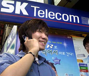 SK Telecom входит в Packet One Networks